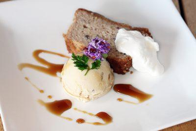栗のケーキと栗のアイス